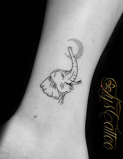 tatouage elephant bordeaux