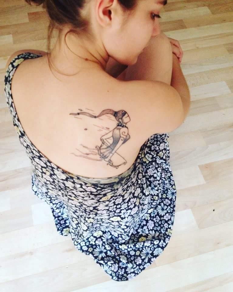 tatouage omoplate femme mérignac