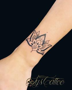 fleur de lotus poignet
