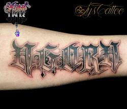 tatouage lettrage Bordeaux