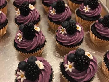 blackberry cupcake.jpg