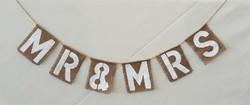 'Mr & Mrs' Banner £2