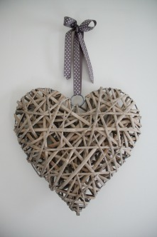 Wicker Hearts 80p