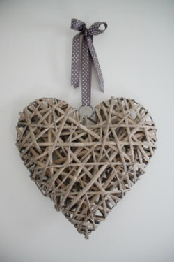 Wicker Hearts 80p
