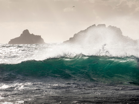 Turquoise breaker at Cape Cornwall