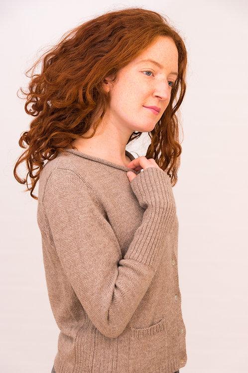 Elegante Kurzstrickjacke für Frauen aus feinster Alpaka Wolle - Cardigan - ins Büro oder die Freizeit