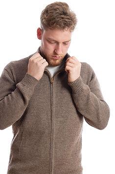 Herrenstrickjacke mit Kragen und Reißverschluss aus Alpakawolle