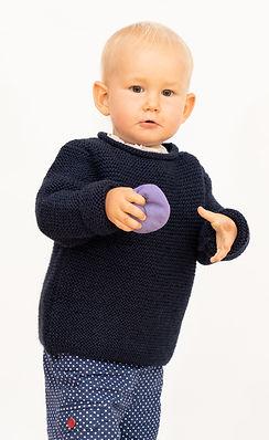 warmer handgestrickter Babypullover