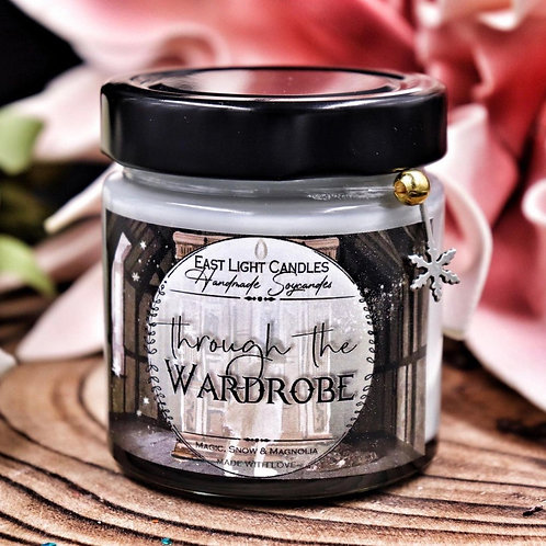 Trough the Wardrobe  Candle   Buchkerze   Scented Candle