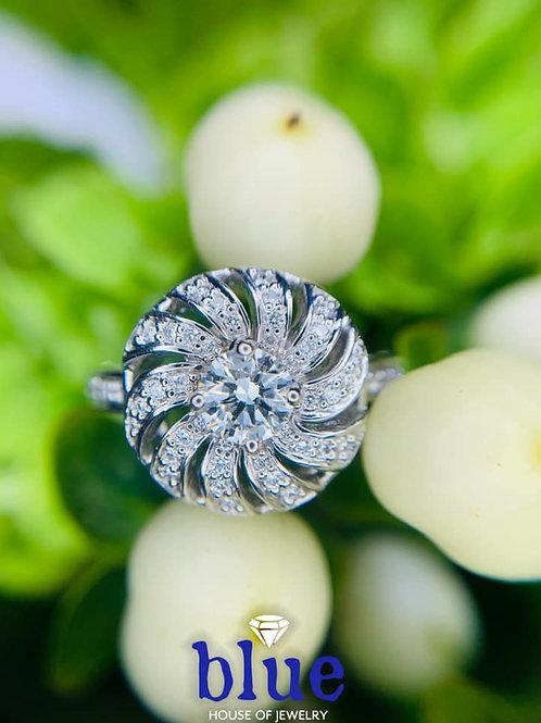 Spiral Diamond Fashion Ring