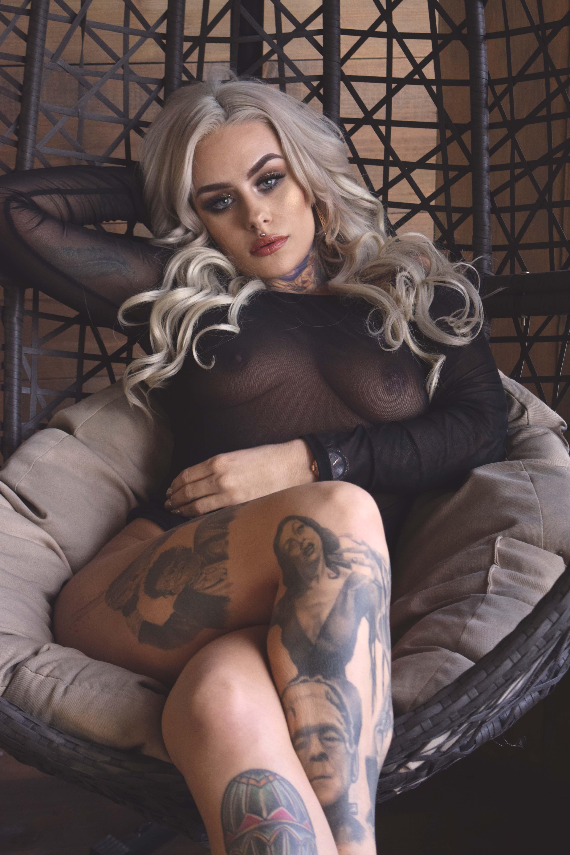 Model: Breanna Thomas