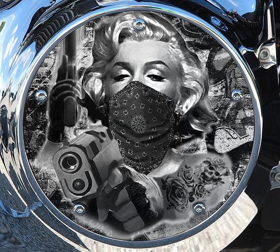 Marilyn Guns BW
