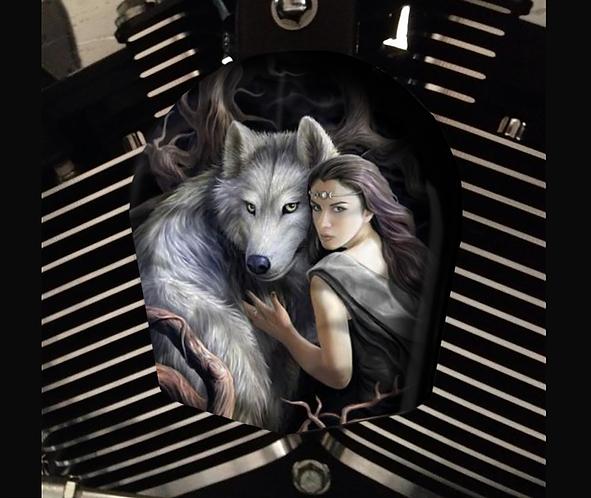 WOLF & WOMAN (HORN)