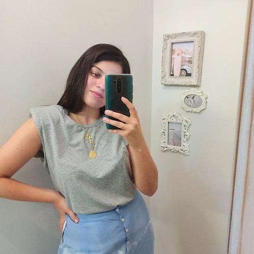 camiseta hombrera gris