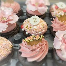 Chocolate Pink and Gold Princess Bday Cupcakes!_#sugashoppe #cravinalilsuga #sugarush #princess #bir