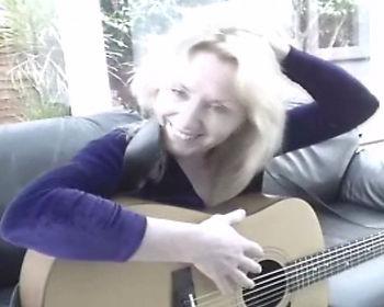 lizzie lane singer songwriter 22223.jpg