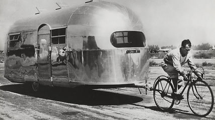 Wally-Byam-Airstream-history-1947-pulled