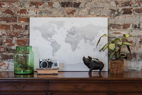 Pilkas/baltas pasaulio žemėlapis