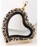 Locket - Gold Filigree Heart