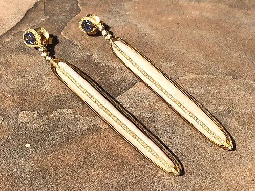 Bone Diamond 18kt gold Blue Sapphire Earring