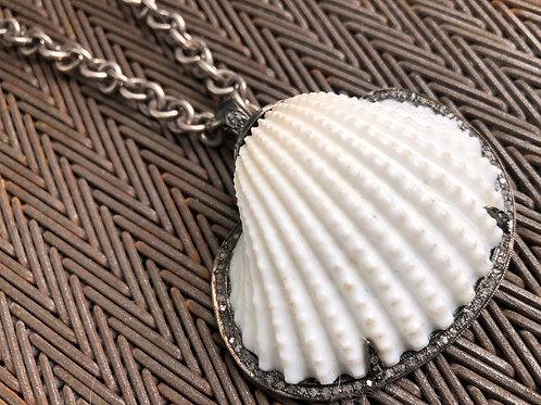 Seashell & diamond silver necklace