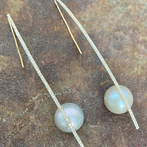 Diamond Pearl 14kt gold earrings
