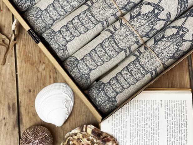Ellie Davidson-Archer - Lobster linen/cotton napkin set of 6 in box