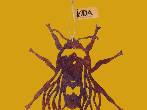 Ellie Davidson-Archer - Bee rusty decoration