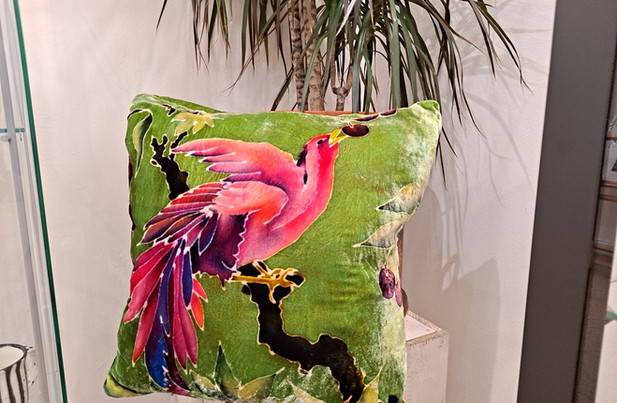 """Parker and arrol - Cushion 18"""" green and pink bird cherry"""
