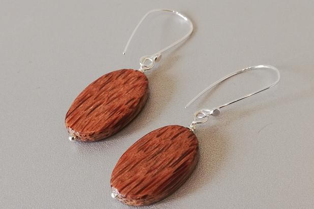 Louise Howitt - Oval palmwood earrings