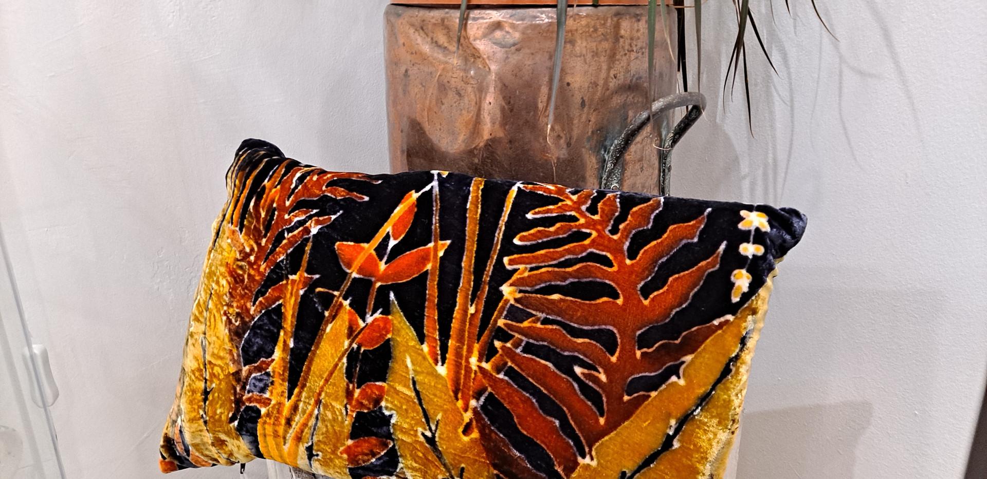 """Parker and arrol - Cushion 20x12"""" multi leaf orange"""