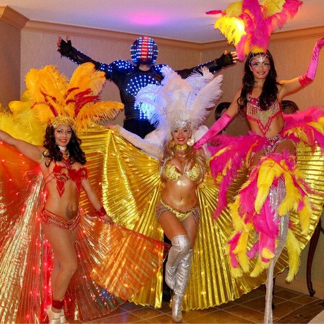 Hora Loca in Miami, Samba Dancers, Stilt Walker, LED Robot