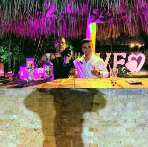 Hacienda Pinar Bartender in Miami
