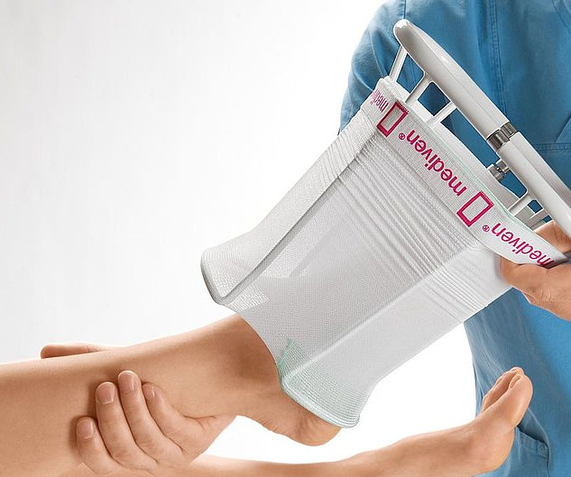 Medi Hospitalbutler - Donning aid for clinical compression stockings