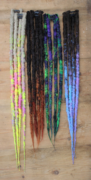How to wear clip in Dreads