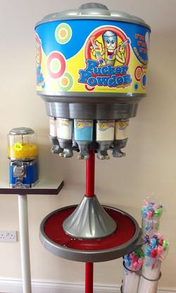 Pucka Powder machine! Pop in and mak