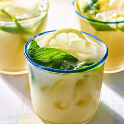 Almondy Vodka Limonana