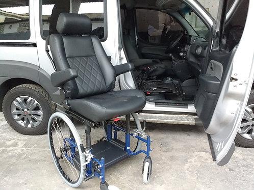 Banco móvel giratório transforma cadeira de rodas