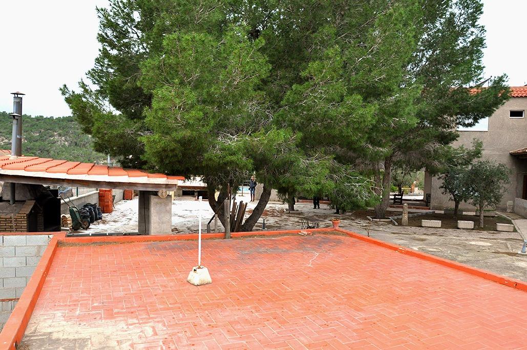 Сцена загородного парк-отеля Феникс