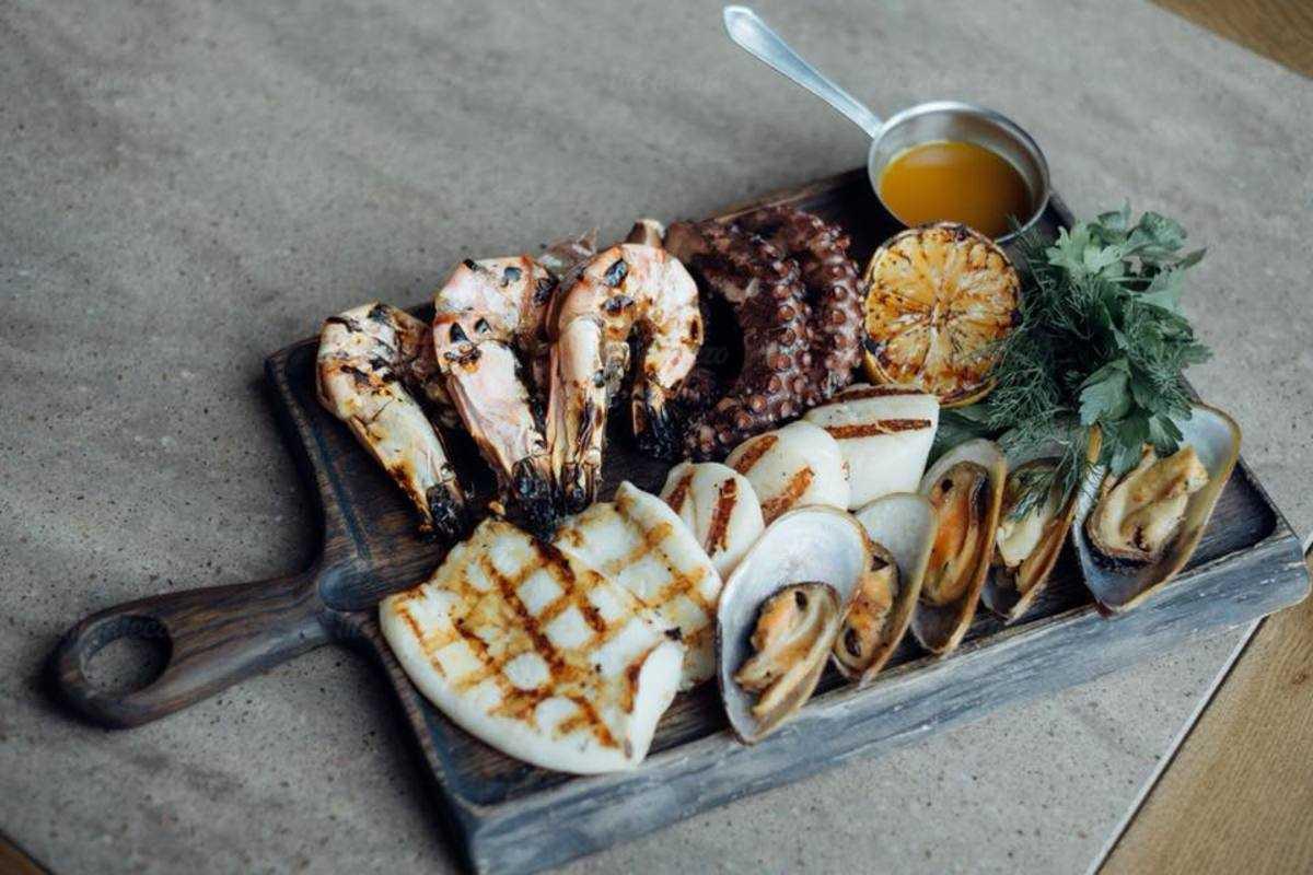 Морепродукты-барбекю в Fenix