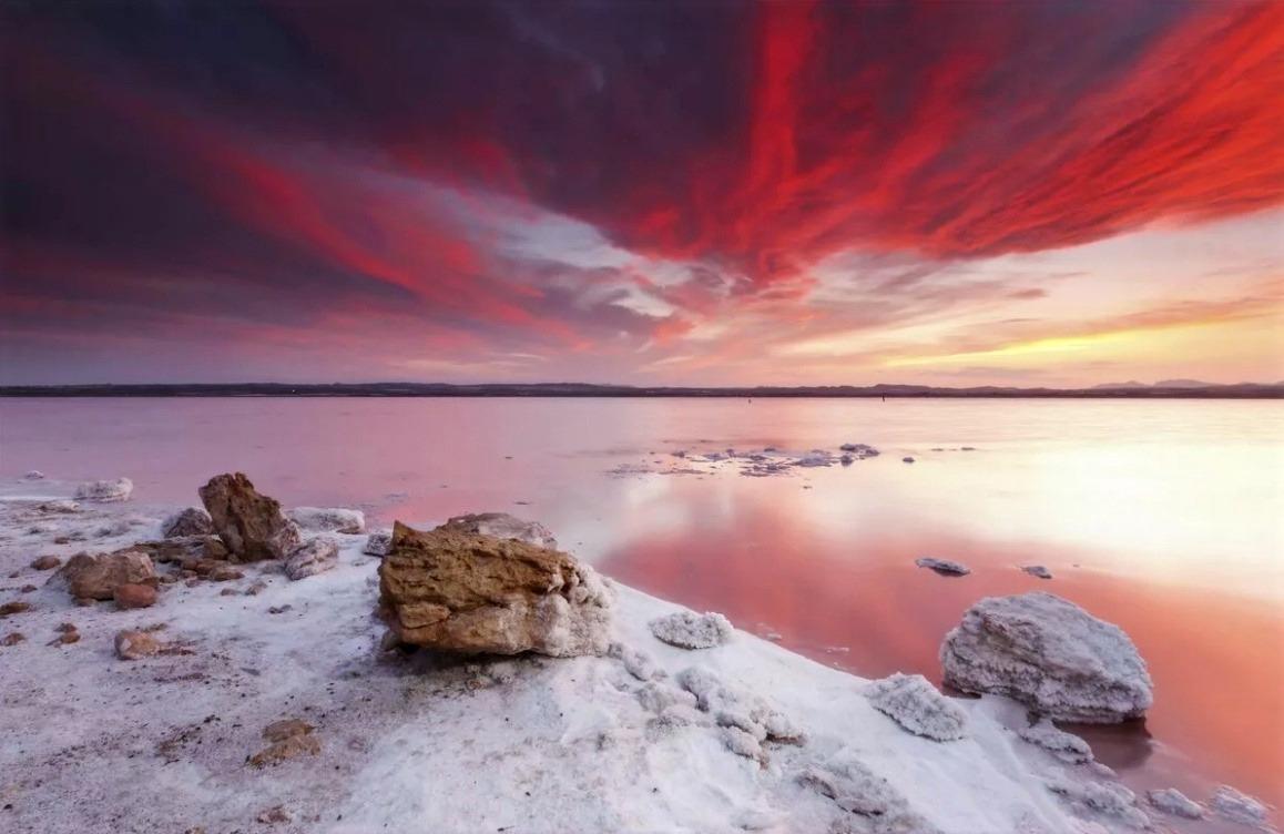 Соли и минералы розового озера Salinas d