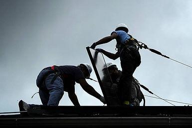 solar-installers_alex-wong-getty.jpg