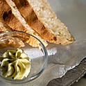 Hausgemachtes frz. Weißbrot mit Knoblauchbutter