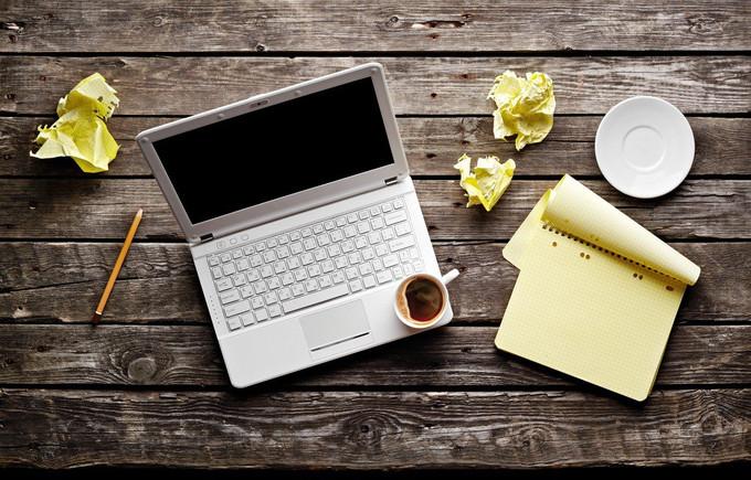 Menő a szöveged? Jelentkezz a novella- és regényíró pályázatra!