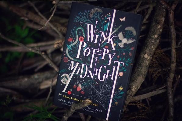 Olvass bele a Wink Poppy Midnight-ba!