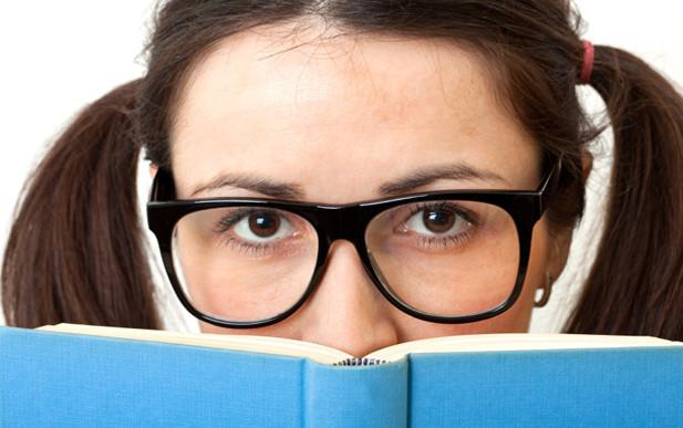 7 (eltúlzott) könyvmoly-sztereotípia