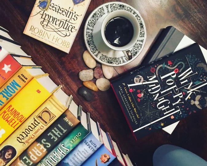 7 külföldi és magyar bookstagrammer, akit érdemes követni