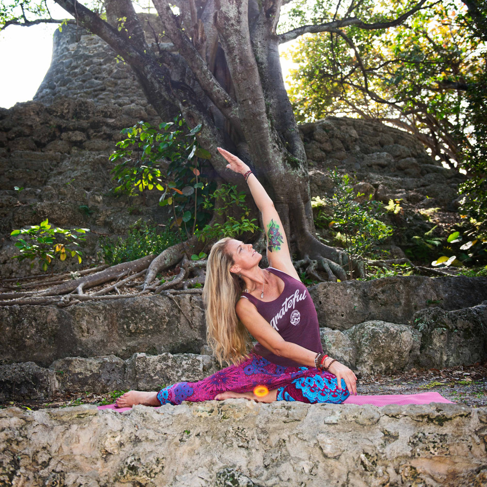 Paola Villegas Yoga Shoot-11.jpg