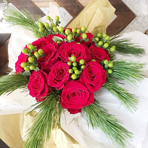 Dozen Rose Christmas Bouquet