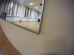Зеркало в спорт зал